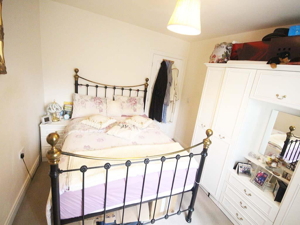 2 bedroom apartment For Sale in Colne - IMG_8096 2.jpg